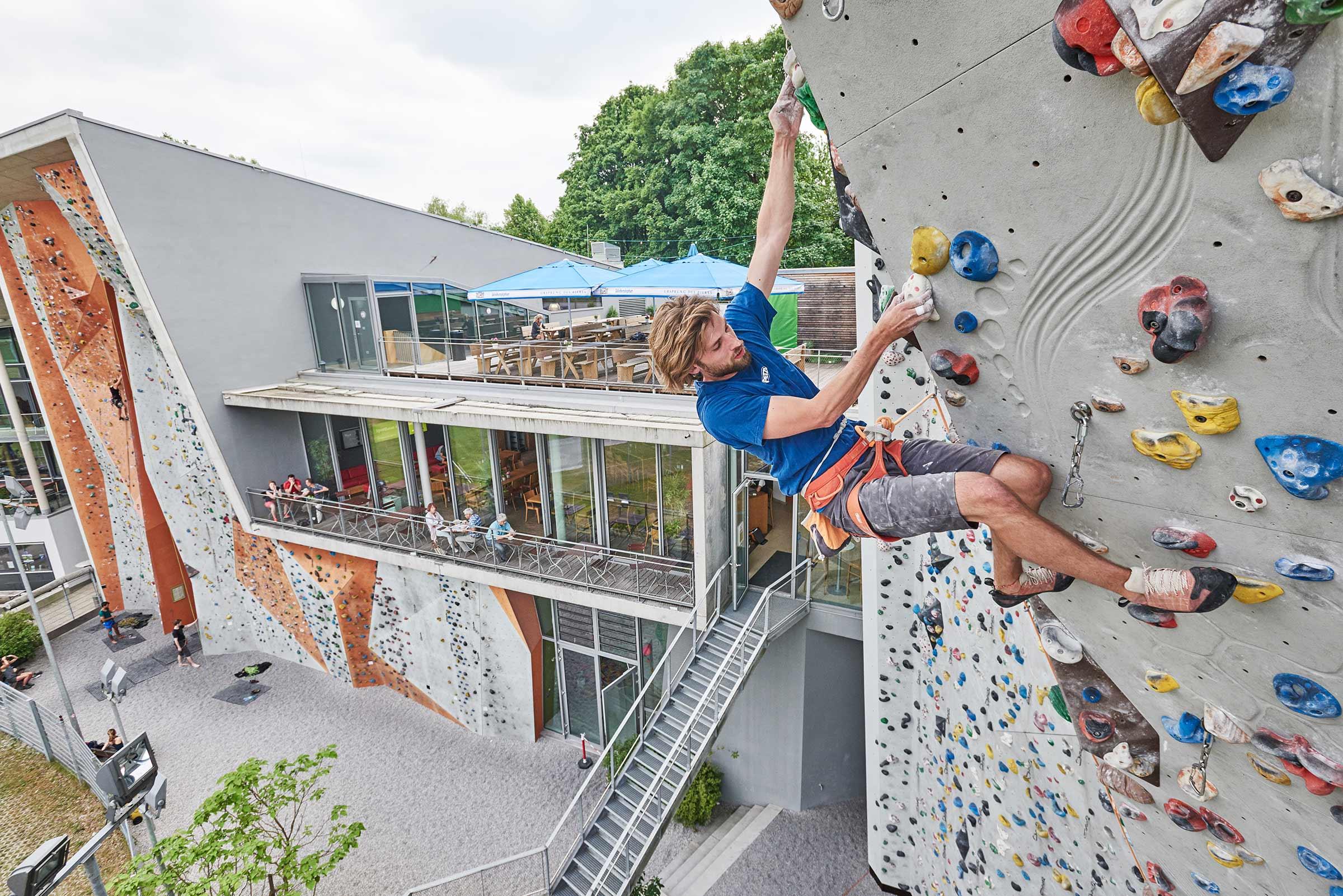 Klettern an der frischen Luft im Outdoor-Bereich in Thalkirchen